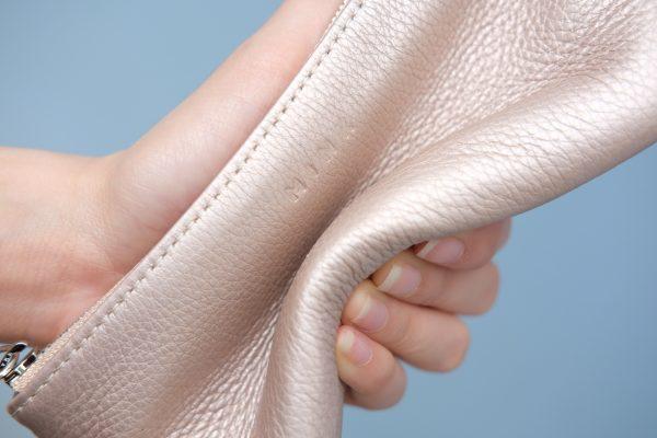 KY25 Be hồng ánh kim 3 - MINK Leather