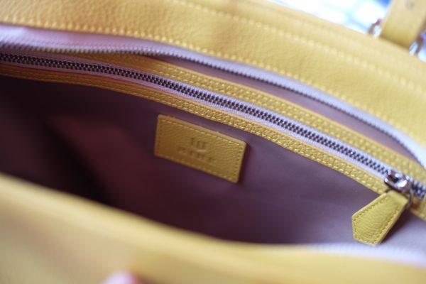 z2373497439908 57dc7cf054a3ac7121db87df4cfe0efe - MINK Leather