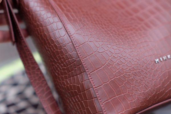 z2406582301908 3a5c844dccf6467bf4dba43ecac1d517 - MINK Leather