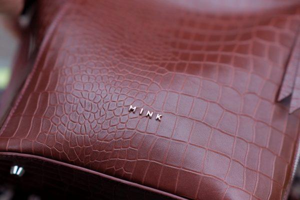 z2406582304269 5ac7b41fb2e03d65af35421cb948810d - MINK Leather